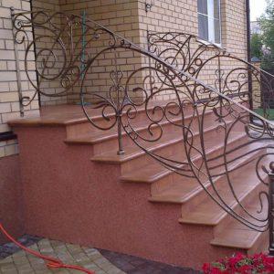 Кузня Лестницы и лестничные перила po-derevu3