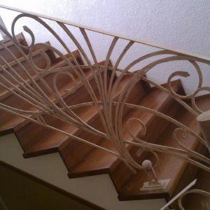Кузня Лестницы и лестничные перила po-derevu7