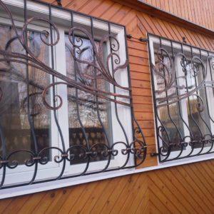 Кузня оконные решетки балконные перила2
