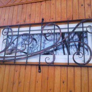 Кузня оконные решетки балконные перила3