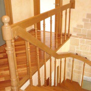 деревянная лестница на больцах11