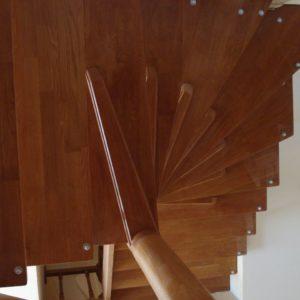 деревянная лестница на больцах2