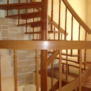 деревянная лестница на больцах7