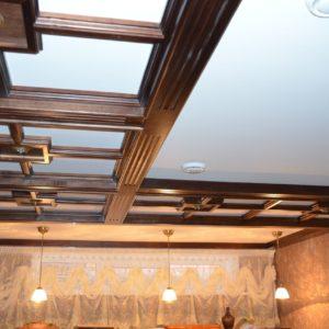 потолочные балки и стеновые панели из дерева3