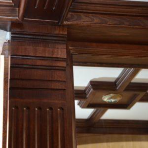 потолочные балки и стеновые панели из дерева6