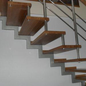 41_Лестница на больцах_9