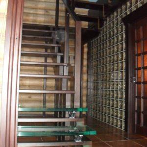 50_лестница дерево и стекло_14