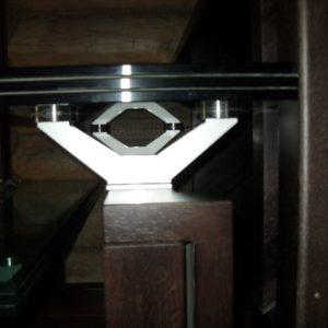 50_лестница дерево и стекло_16