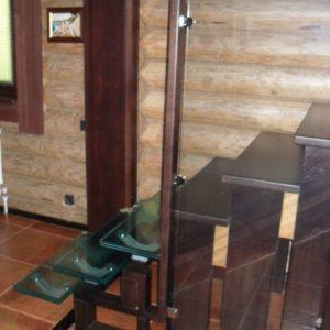 50_лестница дерево и стекло_23