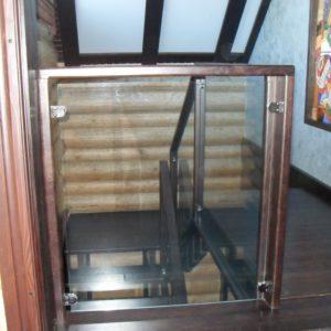 50_лестница дерево и стекло_24