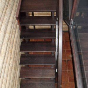 50_лестница дерево и стекло_25