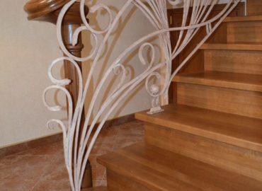 82_Дубовая лестница и художественная ковка_3