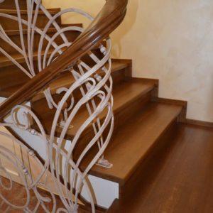 82_Дубовая лестница и художественная ковка_5