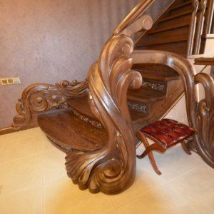 97_ шикарная лестница массив с резьбой ручной работы_20