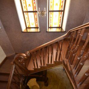 97_ шикарная лестница массив с резьбой ручной работы_21