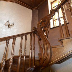 97_ шикарная лестница массив с резьбой ручной работы_28