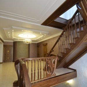 97_ шикарная лестница массив с резьбой ручной работы_37