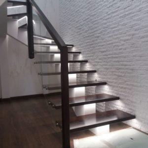 138_Лестница массив дерева с подсветкой_2